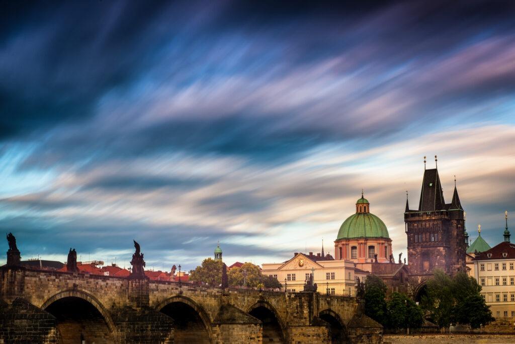 Dlouhá expozice kurz dlouhé mraky Praha
